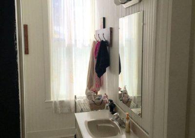 Benton Apartment Bathroom Ouray Colorado